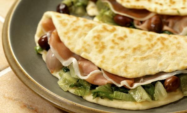 Tortilla romagnola fűszeres töltelékkel